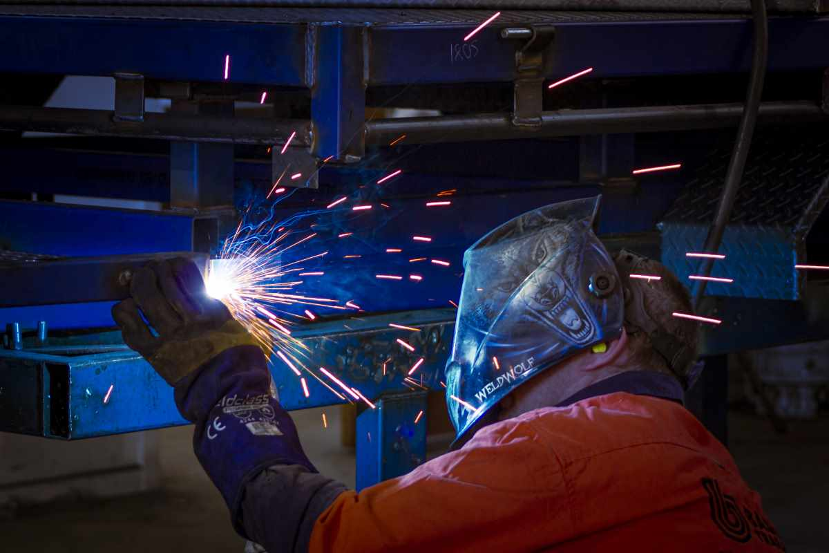Trailer manufacturing: Welding