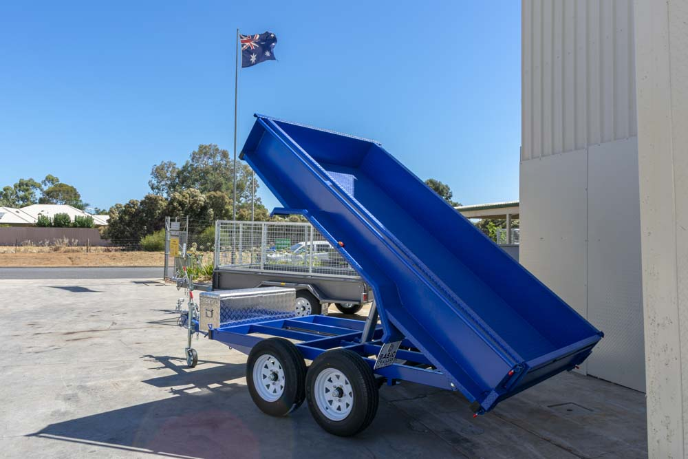 Trailer for Sale: Basic Trailers 105 tipper tandem box trailer