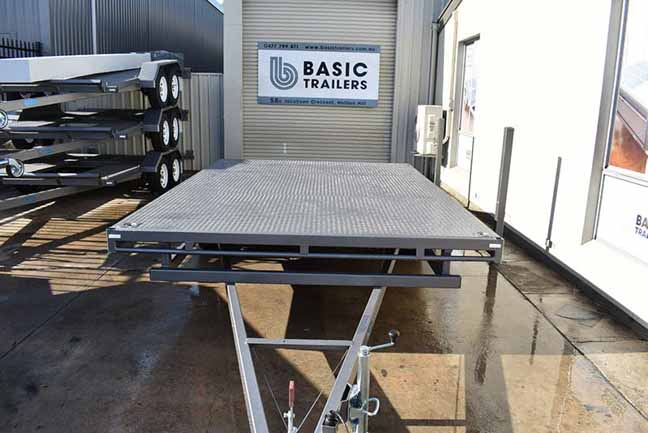 Trailer for Sale: FLAT-TOP-BEAVERTAIL-CAR-TRAILER-20x8