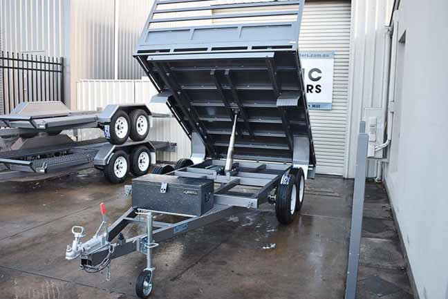 Trailer for Sale: HYDRAULIC-FLAT-TOP-TIPPER-08X6